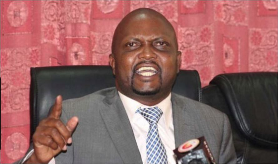 Wakenya wabebe mzigo wa mafuta ghali bila kulalamika – Moses Kuria