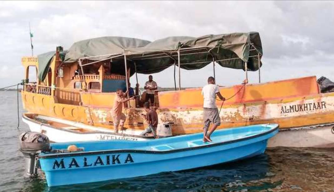 Desturi ya aina yake kisiwani Lamu inayozipatia mashua 'uhai' baharini