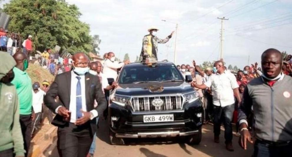 Mvutano mitandaoni baada ya Raila kutumia gari la serikali